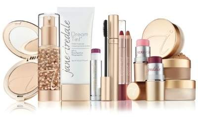 Celebrate-National-Dog-Day-With-Jane-Iredale----The-Makeup-Examiner-2-400x237
